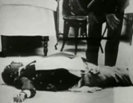 Self-proclaimed mafia boss of bosses of New York Giuseppe Masseria is killed on Apr 15th,1931.Luciano ends the war at a resturant on Coney Island,Bugsy Seigal,Joe Adonis,Albert Anastasia,& Vito Genovese get the job done while Luciano excuses himself to the toilet.