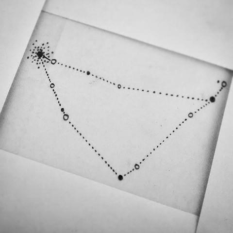 Resultado de imagen para constelacion de capricornio tatuaje