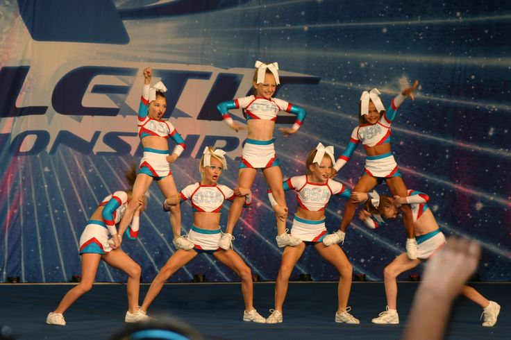 Youth Cheerleading Pyramids | Youth Cheerleading Stunts