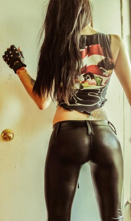 Hot Rocker Look and that girl has a nice butt