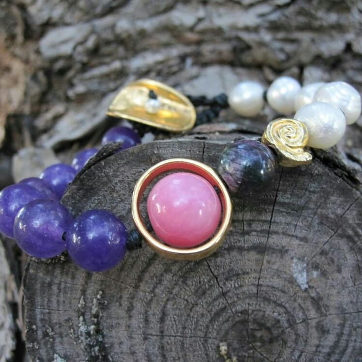 Hand made bracelet with cultured pearls and amethyst stone gold plated ..Pink quartz center stone ❤ handmade by me !