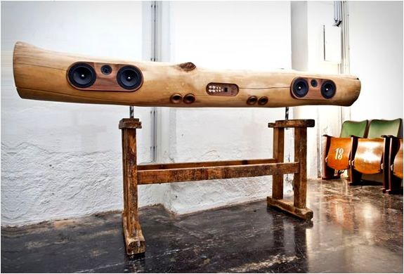 The iTree docking station for audio-lovers