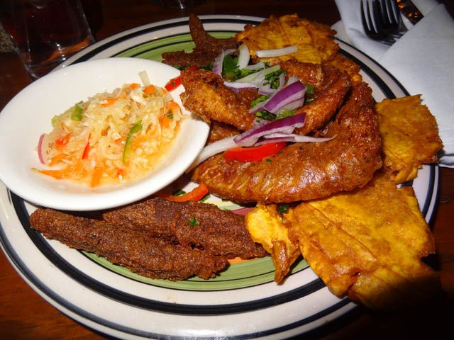 06 fritaye fried fish platter la caye me so hungry for Fried fish restaurants