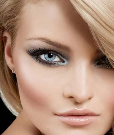 The cornered eye shadow makes her eyes pop out more, like this!