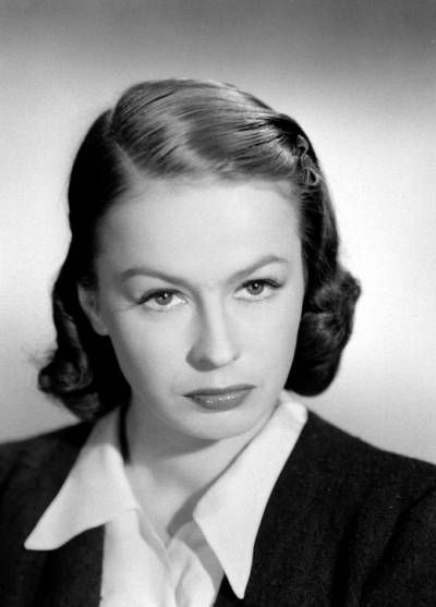 Danuta Szaflarska - a great Polish actress, born on the 20th of February 1915, will be 100 years old next month. This picture must have been taken about 1945-46.  #Poland #Polish_actresses
