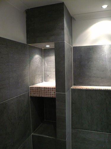 Nissen kennen veel toepassingen. In douche ruimtes, boven een bad of wastafel, enz. Met verlichting erin blijft het frisse opgeruimde effect benadrukt. Maar zonder verlichting kan natuurlijk ook.