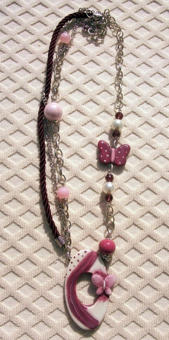 Butterfly and pearls necklace, a beautiful  special creations...38 Euro shipping to Europe included.