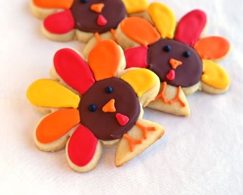 sweet little decorated turkey cookies made from flower and circle cookie cutters!  gobble, gobble!