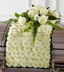 Manta de flores para poner en el ataud de un difunto