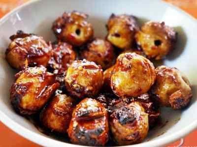 Bakso Bakar - Rahasia cara membuat aneka video resep bakso bakar malang bumbu kacang barbeque keju aneka rasa ala pak man solo paling enak bisa anda baca disini.