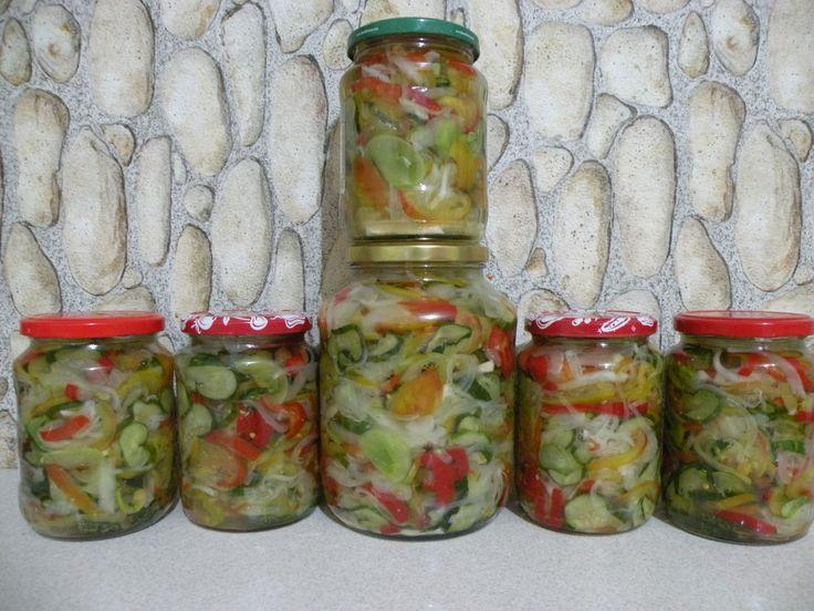Reteta culinara Salata de toamna din categoria Muraturi. Specific Romania. Cum sa faci Salata de toamna