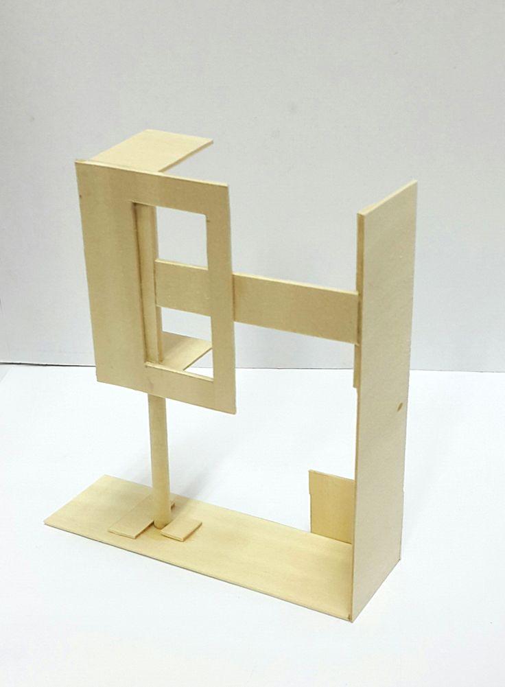 경첩 2-1   기존에 종이로 만들었던 문 형식의 경첩이 견고하지 못하고 매커니즘 자체가 너무 단순하다는 생각이 들어, 재료를 나무로 바꾸고 원리를 바꾸었습니다. 왼쪽의 문 부분이 원래는 열고 닫으면서 고정을 시키는 형식이었는데,  새롭게 만들면서 문 부분을 나무 막대기에 연결시켜 방향을 돌릴 수 있게 만들었습니다. 문 부분을 시계방향으로 돌리면 열리고, 반대로 돌리면 오른쪽의 긴 나무판과 부딪히면서 닫힐 수 있게 구성했습니다.