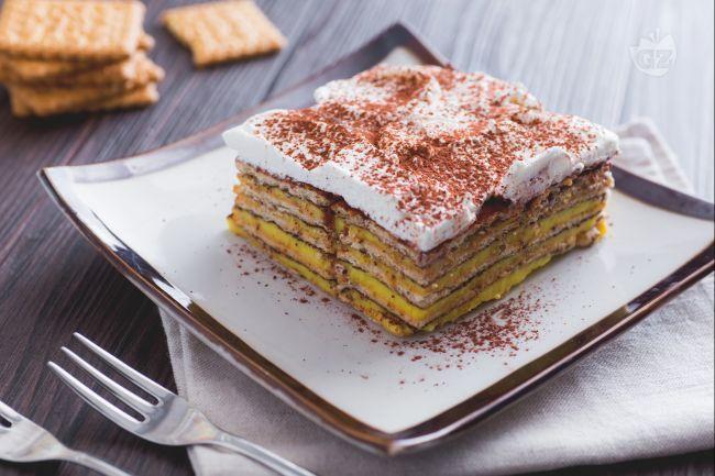 La torta mattonella è un dolce al cucchiaio semplice e goloso, perfetto per chi è alle prime armi in cucina!