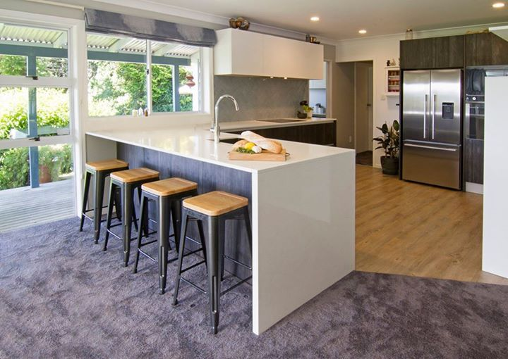 BERLONI: Situated in the Rotorua Ngongotaha valley, this kitchen was designed to ... http://www.davincilifestyle.com/berloni-situated-in-the-rotorua-ngongotaha-valley-this-kitchen-was-designed-to/   Located in the Ngongotaha Valley of Rotorua, this kitchen was designed for a young family from the Inner Designer Rachel Simmons-Taling, owner of the Berloni store New Zeland. This B50 kitchen is finished in Deck Moka with White Wall Wall cabinets and White Gloss lacquered base