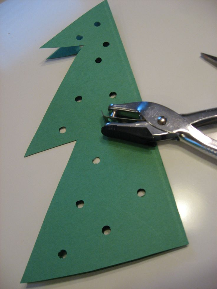 The Ultimate Christmas Tree Craft To Keep Kids Busy This