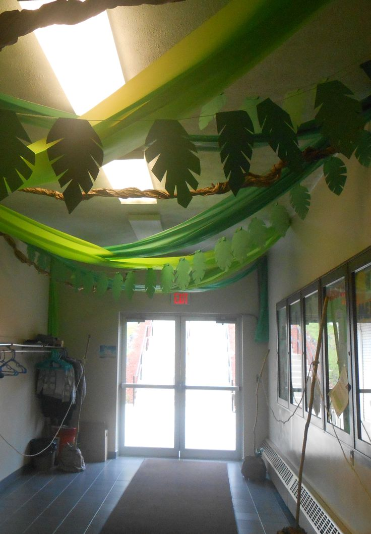 Sonquest rainforest vbs decorations hang from rope across for Decor hanging from ceiling