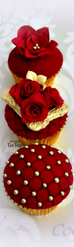 ❇Téa Tosh❇ Red and gold cupcake collection