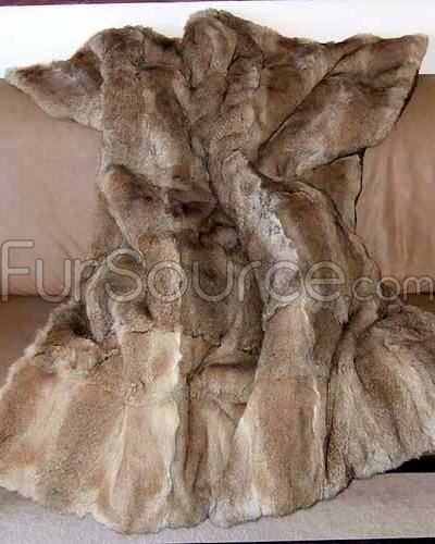 1000 Images About Fur Blanket On Pinterest: 1000+ Ideas About Fur Blanket On Pinterest