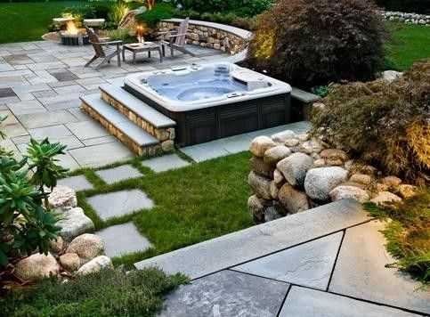 Peaceful hot tub with beautiful paving stones