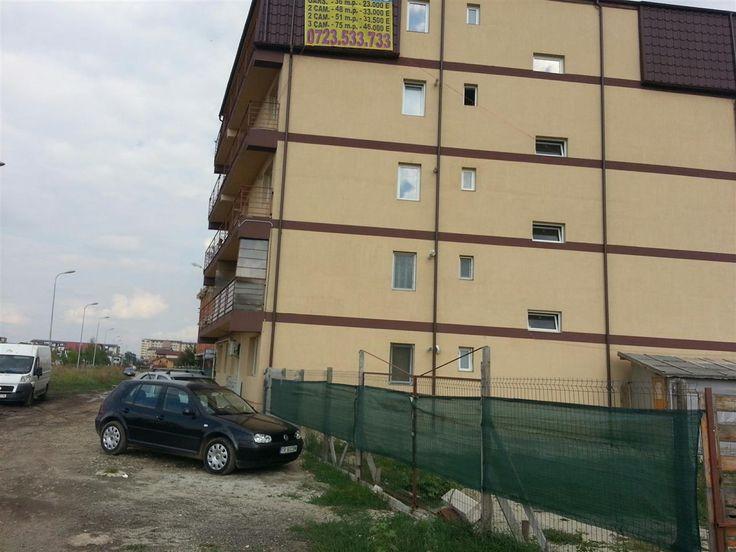 Teren Intravilan Constructii de vanzare in Bucuresti - Prelungirea Ghencea, reper Prelungirea Ghencea, avand o suprafata de 2500 mp si deschiderea de 15 ml la 1 strada. Caracteristici teren POT 60 % , CUT 3 , Regim de inaltime P+6 , amprenta maxima 1500 mp.Pretul este negociabil .  ID intern: 438.