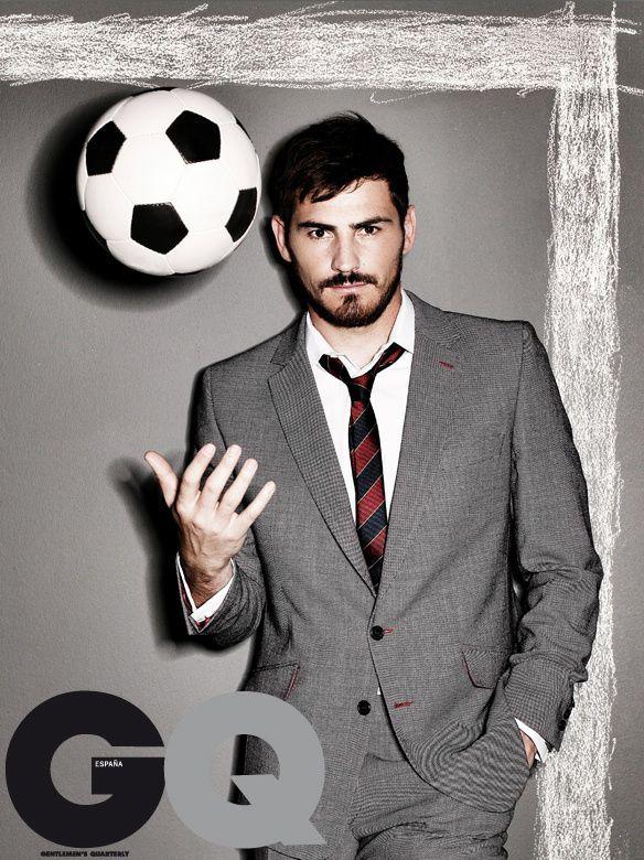 Iker Casillas -Portero de Real Madrid y La Selección Española (Spain)  Google Image Result for http://www.kickette.com/files/2009/10/oct23ikeryum.jpg