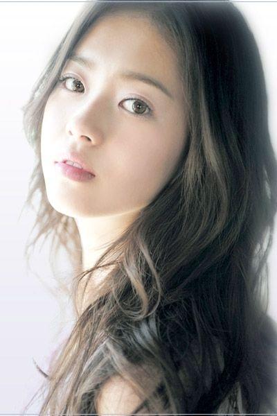 私は韓国人女性が大好き!!白く透き通る美肌に長い手足、同じアジア人なのにこうも違う??とずっと疑問を持っていました! 私が調べついた答えをご紹介させてください♡きっと何かお手本になる事かあるかも。。?
