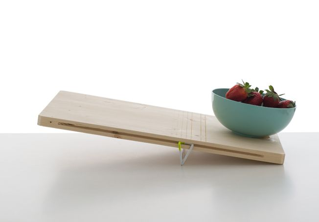 Balanced is a minimalist design created by France-based designer Pierre-Francois Dubois. These two cutting boards playfully integrate a scale into the design of the traditional cutting board.