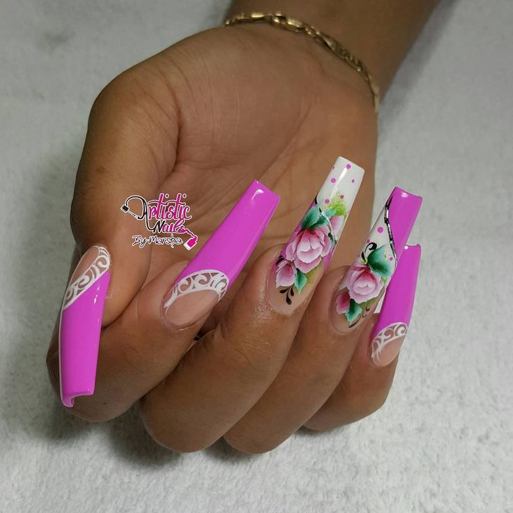 PROMISED ROSE..... #sculpture #nails #spring #flowers #nostickers  #handpainted #cleancuticles #springnails ▫ ▫ ▫ #nailsofinstagram #nailswagg #trendynails #nailguru #nailporn #nailfashion #nailart #instalike #instastyles #instanails #instanailart #instafashion #instacute #instanaildesigns #nailartaddict #coffinnails #crazynailart #creativenails #competitionnails #nailartofinstagram #simpledesigns