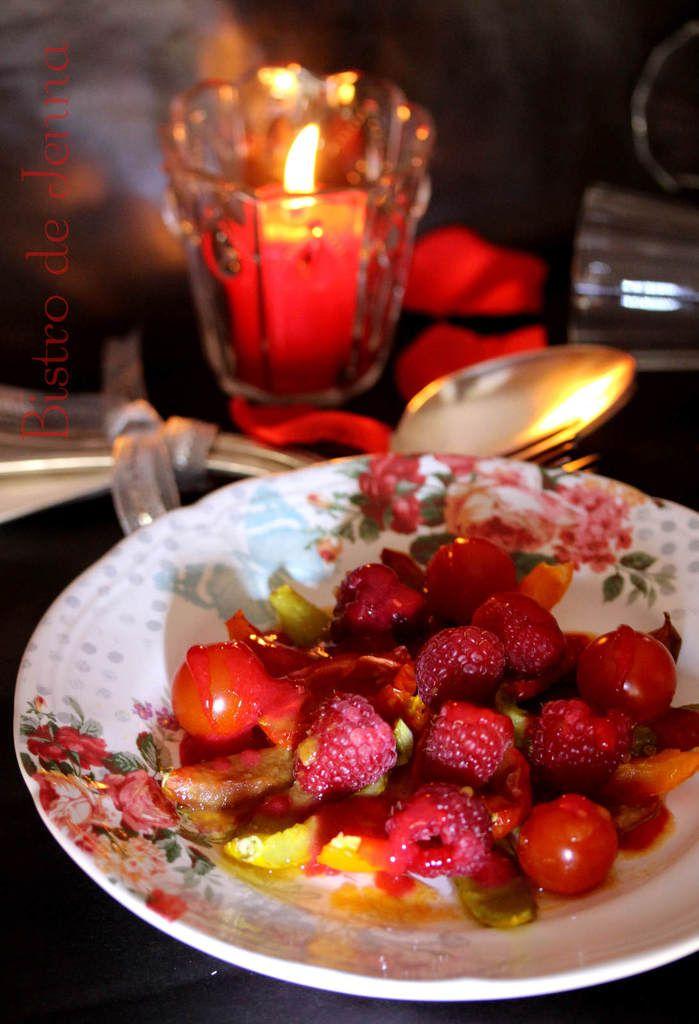 Salade de tomates confites, framboise et cardamome