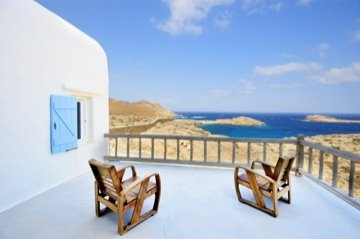 Enjoy the big blue from luxury villa Aesara in Mykonos, Greece