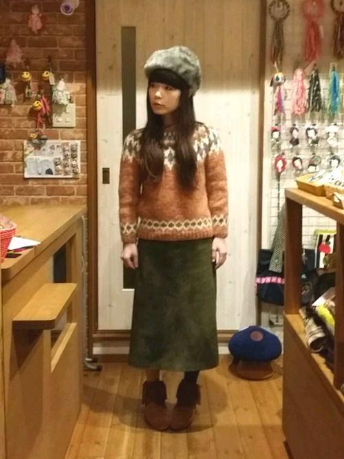 こんばんは☆ VINTAGEスタイル 桜色ニットあったか♡ 見てみただいてありがとうございます💚