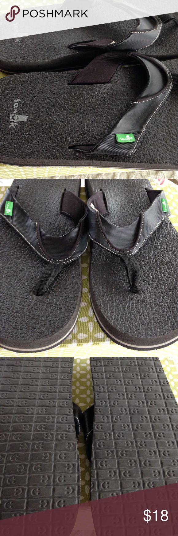Sanuk flip flops These men's flip flops are in excellent condition. Sanuk Shoes Sandals & Flip-Flops
