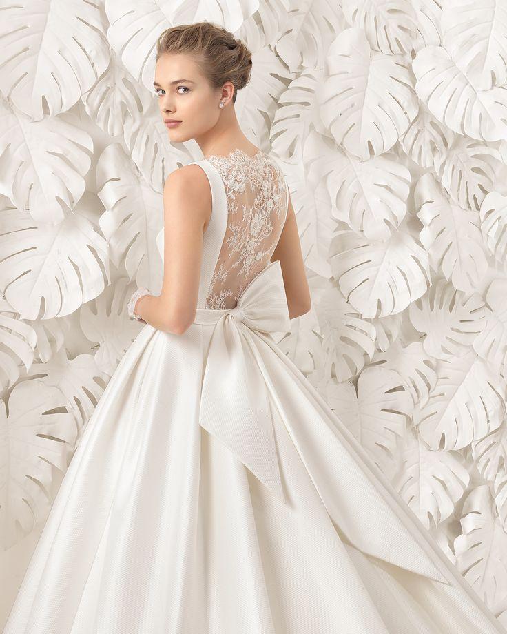Navares traje de novia de costura de piqué / mikado y encaje y seda rústica.