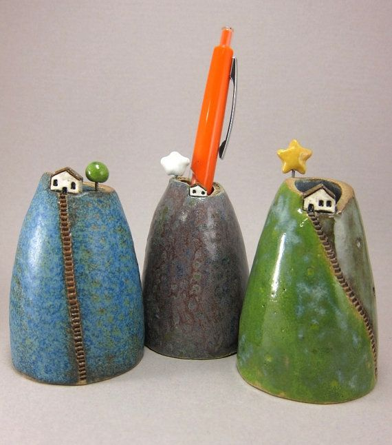 Blue Hill...Bud Vase / Pen Holder in Stoneware van elukka op Etsy