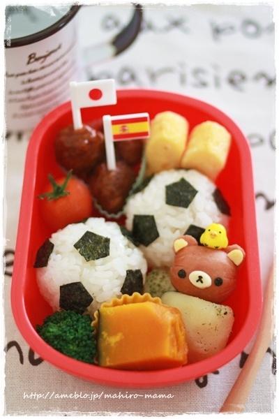 Soccer ball Rilakkuma onigiri bento   #food #bento #rilakkuma #soccer