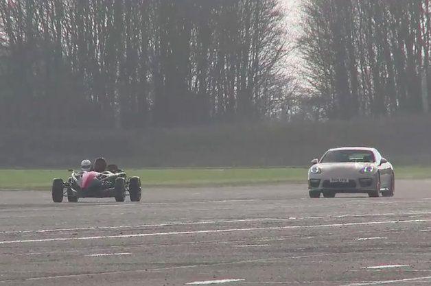 Porsche Panamera Turbo S vs Ariel Atom Supercharged in unlikely drag battle