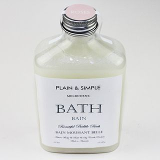 A wonderfully light and perfumed bath gel from our friends at Plain & Simple.  Scented with English Rose or Green Tea they're a must to wash away the day's stresses and strains.
