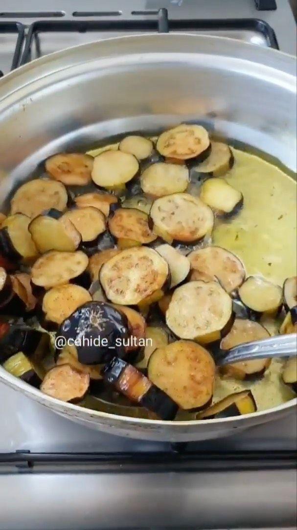 Hanaa Cook On Instagram صينية الخضار بالكفته Cahide Sultan Cahide Sultan 4 حبات باذنجان 4 حبات بطاطس 5 حبات فلفل اخضر ح Recipes Food Arabic Food