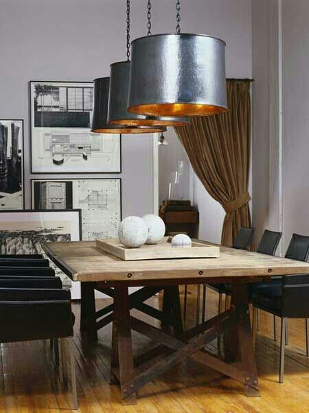mesa comedor rustica con sillas modernas