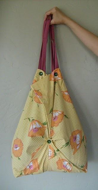Refashion Tutorial: Pillowcase Tote Bag