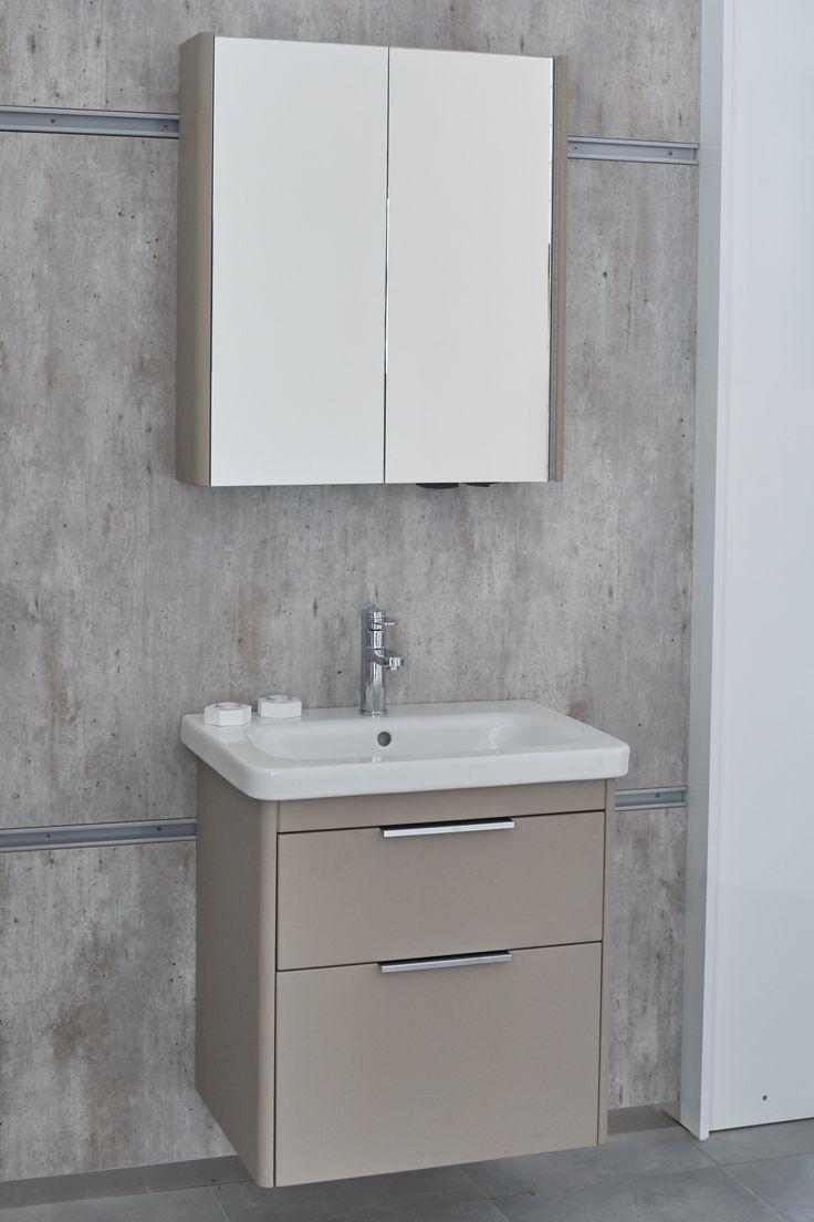 Elegantní inspirace do koupelny -> Koupelnová skříňka s umyvadle s matným povrchem od české značky Dřevojas