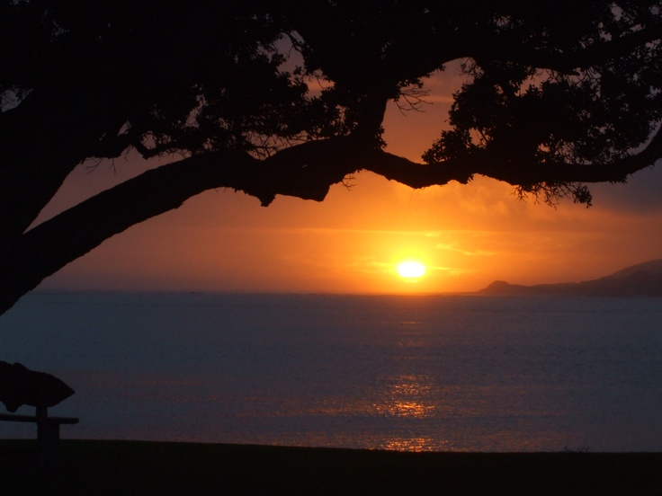 Hokianga harbour entrance (NZ). Winter sunset - lasted 10 mins. View from our hotel!