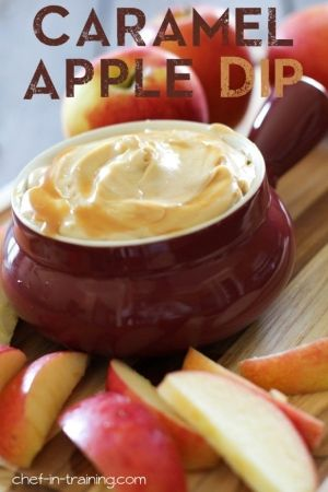 Recipe for Caramel Apple Dip - This dip is so simple to make, whips up in minutes and tastes absolutely incredible! The perfect fall treat or dessert appetizer! by Desendencia Taina