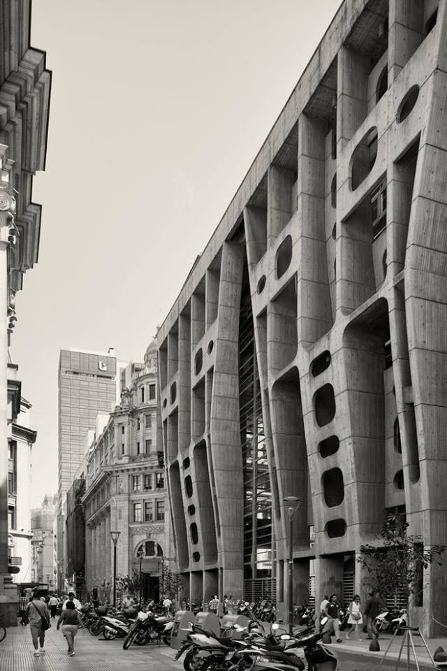 Banco de Londres y América del Sur | Clorindo Testa Location: Buenos Aires, Argentina | 1959-66 Photography: Cemal Emden