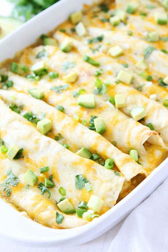 Oder eine ganze Schüssel Spinat-Käse-Enchiladas mit grünem Chili.