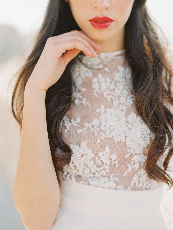 Fiesta blush and black Wedding Theme { Pantone Spring 2016 } https://www.fabmood.com/fiesta-wedding-theme/ #coralwedding #fiestawedding #pantone