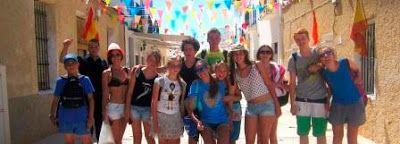 Tabara de grup la Alicante in Spania 2017. Integrare in cultura si traditiile spaniole, interactiune cu copiii spanioli. Programul ofera cursuri de limba spaniola, cazare in familii spaniole, insotitor de grup si supraveghere permanenta.  Pentru detalii: 0736 913 866 office@mara-study.ro www.mara-study.ro