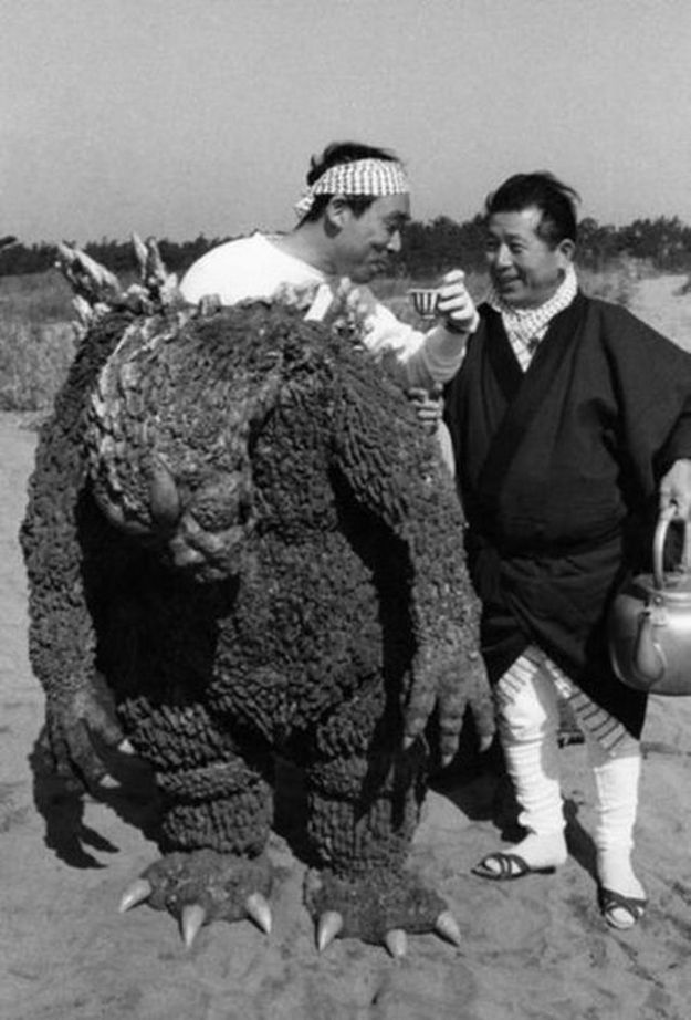 Godzilla - 45 Behind The Scenes Photos That You've Probably Never Seen Before