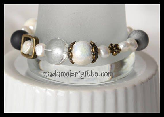 Bracelet de billes de verre blanches et grises très chic