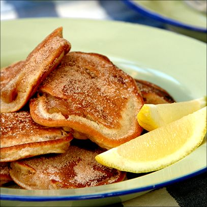 Flapjacks with Pink Lady® Apples and Cinnamon Sugar